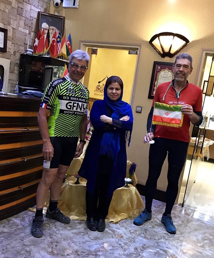 De Qom à Téhéran 115 km de désert vent de face.